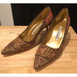 Manolo Blahnik Antique Tapestry Womens Heels Shoes
